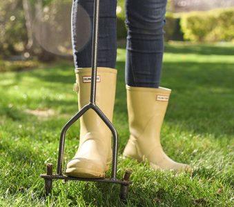 Yard Butler Lawn Coring Aerator Manual Grass Dethatching Turf Plug Core Aeration Tool